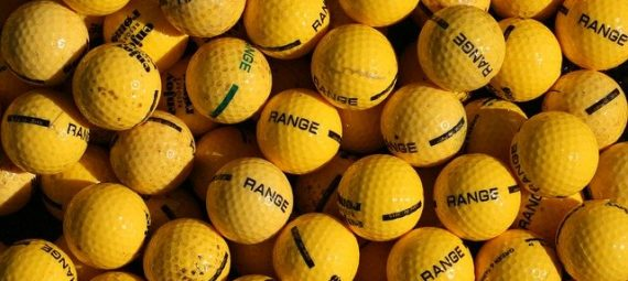 How many Golf balls do pros Use in a Round?