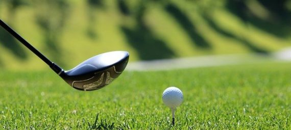 How to Hit a Golf Ball Straight Every Time?