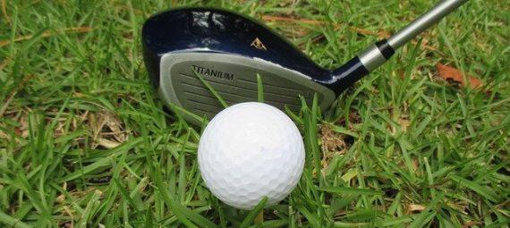 Who makes Kirkland Golf balls?