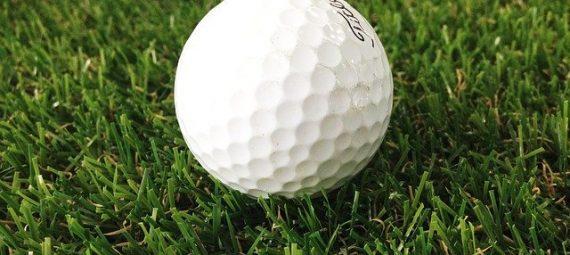 How Many Golf balls should I Bring for 18 holes?